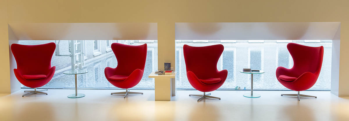 Interieur rode stoelen slider